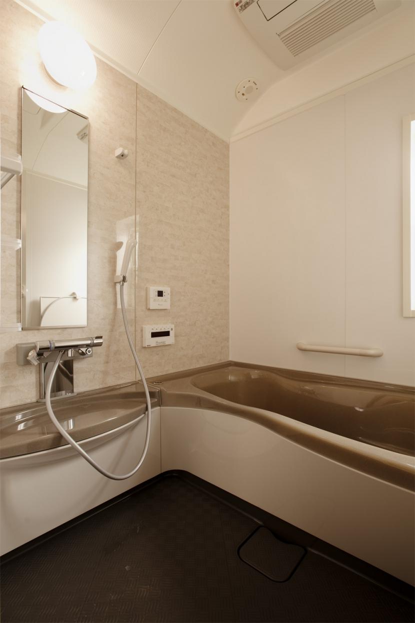 K邸・音楽室のある光あふれる小さなお家の部屋 バスルーム