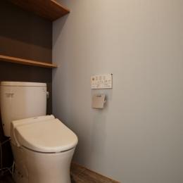 K邸・音楽室のある光あふれる小さなお家 (トイレ)