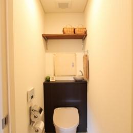 収納の工夫ですっきりトイレ空間