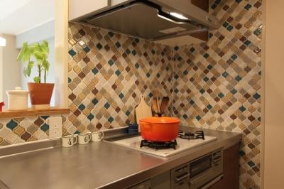 タイルやカラーでオリジナリティを楽しむ家 (タイルで、北欧風をプラス)