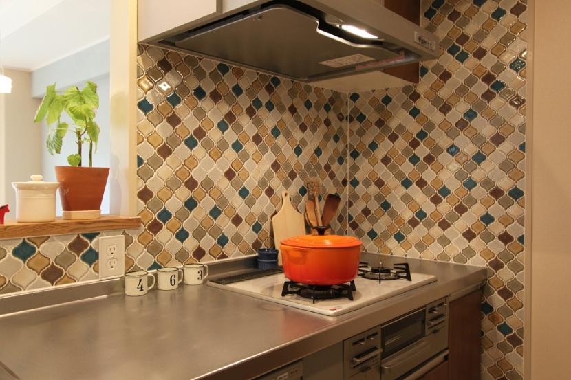 リノベーション・リフォーム会社:夢工房「タイルやカラーでオリジナリティを楽しむ家」
