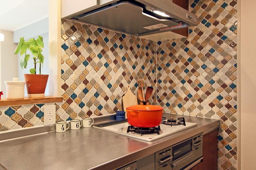 リノベーション会社:夢工房「タイルやカラーでオリジナリティを楽しむ家」