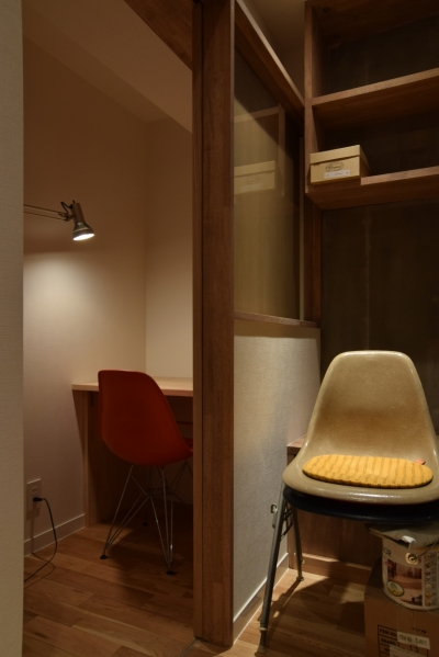 作業室 (見せる収納にこだわり~下馬の家)