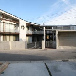 建築家 渡邉 清の事例「周囲を道路に囲まれた変形敷地に建つ家」