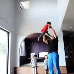 建築家 エトウゴウ建築設計室の事例「今治の家 色と素材が結びつくパッチワークみたいな家」