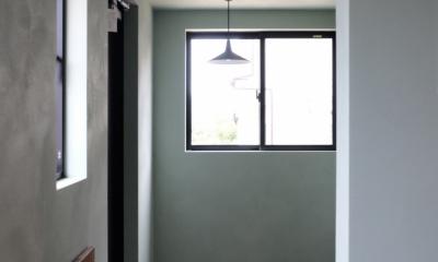 玄関|今治の家 色と素材が結びつくパッチワークみたいな家