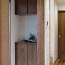 東京都大田区I様邸 ~自然素材とスキップフロアが楽しい家~の写真 玄関収納