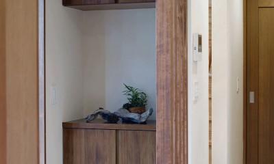 東京都大田区I様邸 ~自然素材とスキップフロアが楽しい家~ (玄関収納)