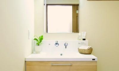 東京都大田区I様邸 ~自然素材とスキップフロアが楽しい家~ (実用性とオリジナリティの洗面台)
