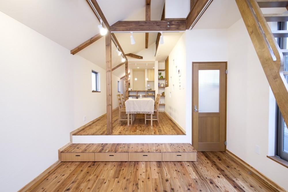 夢工房「自然素材とスキップフロアが楽しい家」