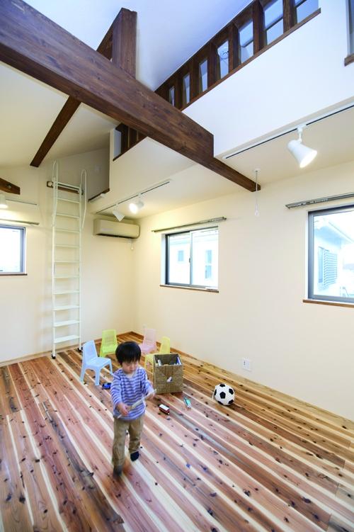 東京都大田区I様邸 ~自然素材とスキップフロアが楽しい家~ (自然素材が気持ちいい、キッズスペース)