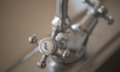 S邸・自然素材を用いて、オリジナリティーのある改修を。 (キッチン(水栓))