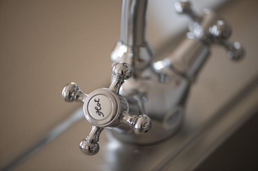 S邸・自然素材を用いて、オリジナリティーのある改修を。の部屋 キッチン(水栓)