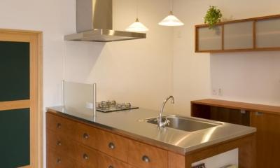 S邸・自然素材を用いて、オリジナリティーのある改修を。 (キッチン)