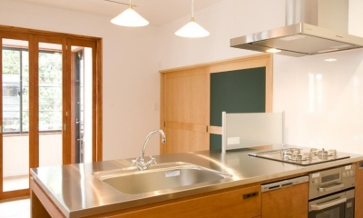 S邸・自然素材を用いて、オリジナリティーのある改修を。 (ダイニングキッチン)