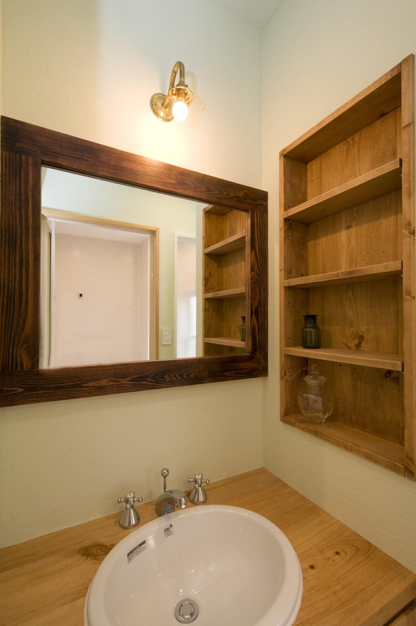 S邸・自然素材を用いて、オリジナリティーのある改修を。の部屋 洗面台