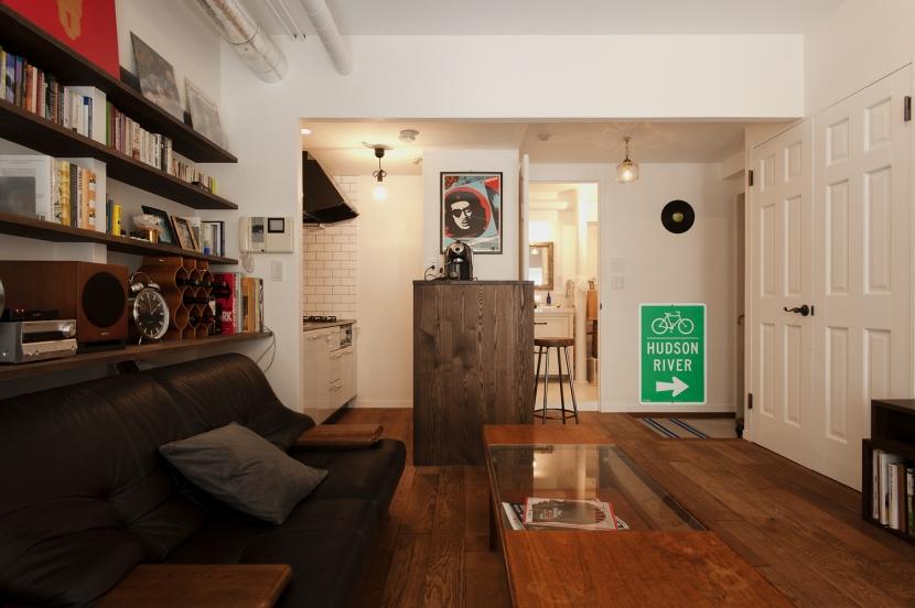 S邸・上品に味わい深く住まうの写真 リビングキッチン(バスルーム)
