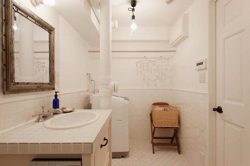 S邸・上品に味わい深く住まうの部屋 洗面・ランドリー(バスルーム)