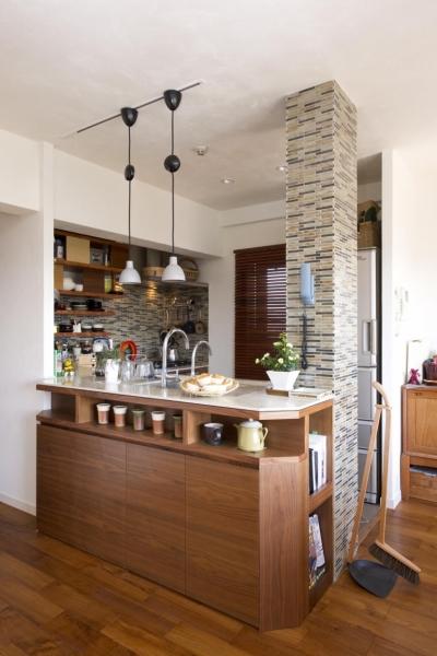 オープンキッチン (Y邸・自分たちの「好き」をカタチにした住まい)