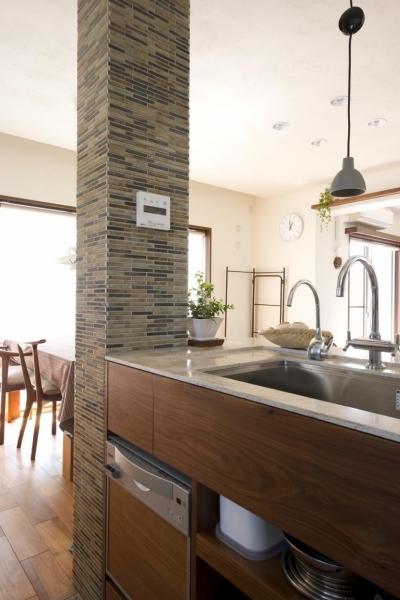 キッチン (Y邸・自分たちの「好き」をカタチにした住まい)