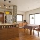 Y邸・自分たちの「好き」をカタチにした住まいの写真 ダイニングキッチン