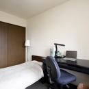 Y邸・自分たちの「好き」をカタチにした住まいの写真 寝室1