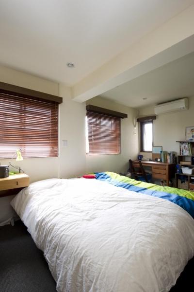 寝室2 (Y邸・自分たちの「好き」をカタチにした住まい)