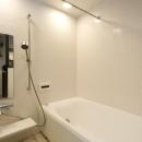 Y邸・自分たちの「好き」をカタチにした住まいの写真 バスルーム