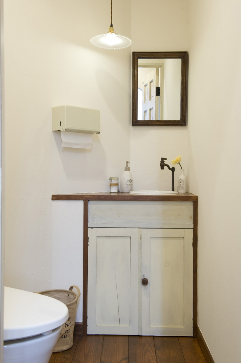Cafeのようなヘアサロンの写真 トイレの手洗い器