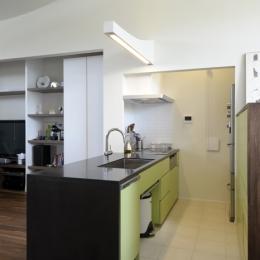 ひかりと雲の家(師岡の家) (家具としてデザインされたキッチン1)