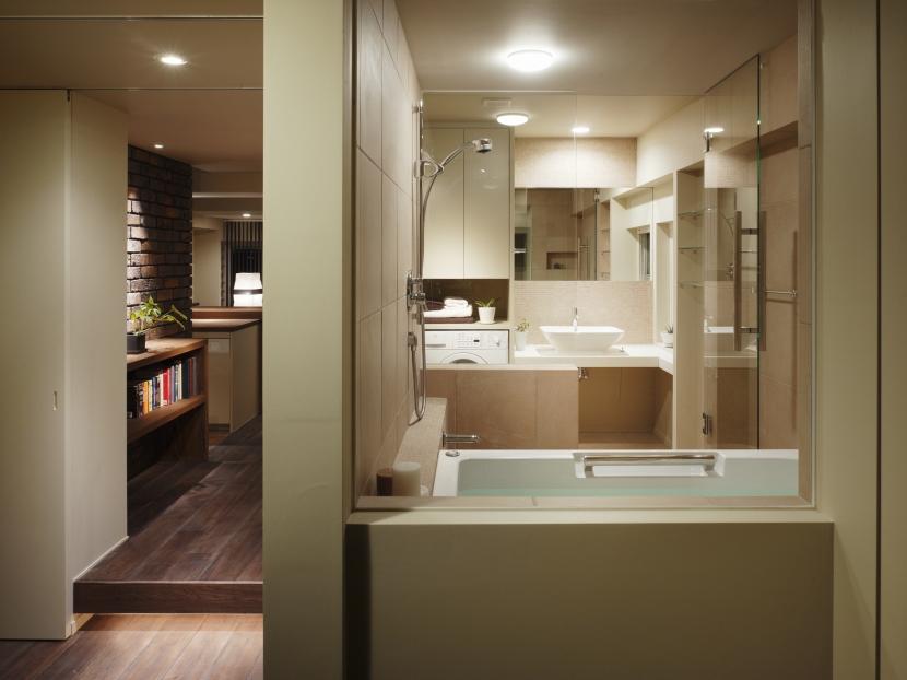 浴室 (ロフト・アパートメントのように)