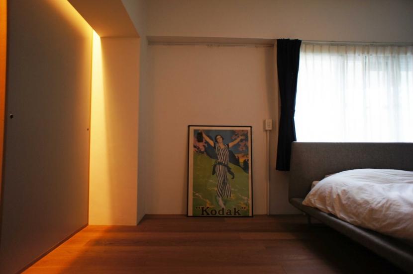 2LDKを1DLKに@港区の部屋 収納の壁に間接照明を仕込む