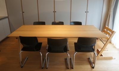 2LDKを1DLKに@港区 (ダイニングテーブルは、建築家の製作。)