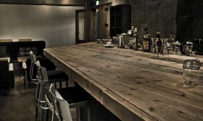 大きなテーブルのある空間