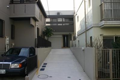 旗竿状敷地の住宅 (外観1)