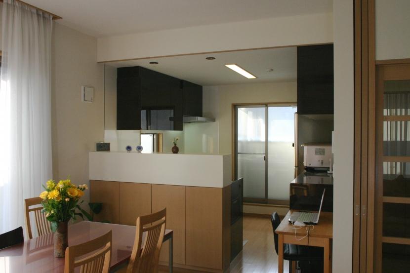 旗竿状敷地の住宅の部屋 居間・食堂