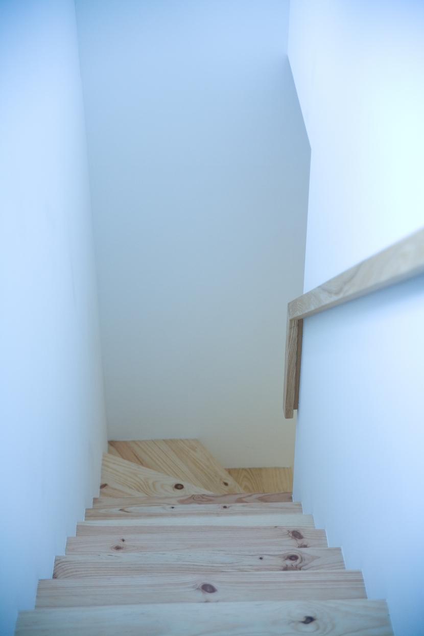 腰越の住宅の部屋 階段