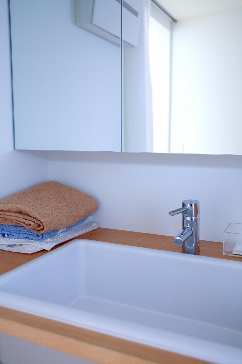 腰越の住宅の部屋 洗面室