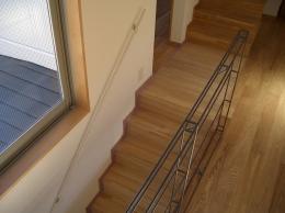 世田谷の家 (階段とスチール手摺)