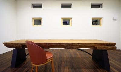 自然素材の家 駒沢モデル (テーブルのある空間)