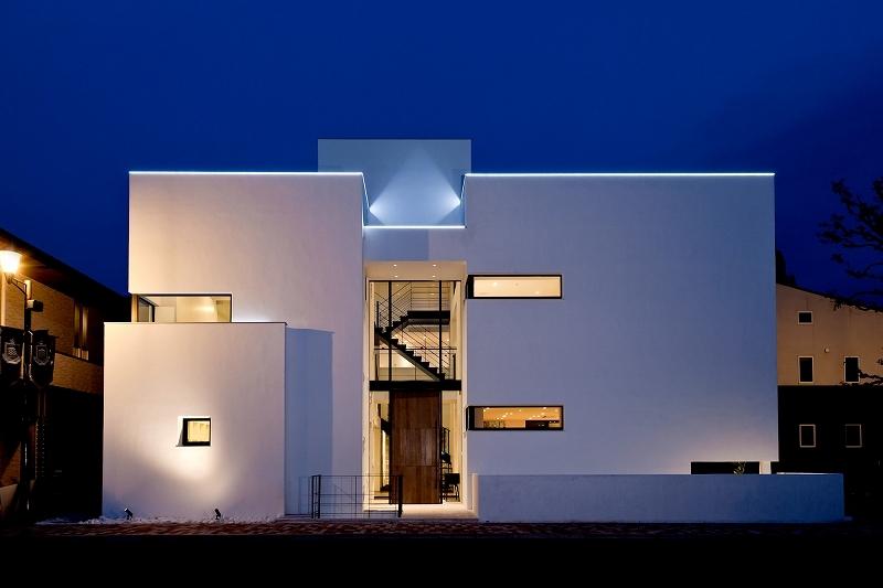 自然素材の家 瀬田モデルの写真 夜の外観