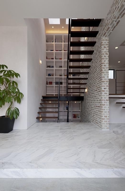 自然素材の家 三鷹モデルの部屋 エントランス