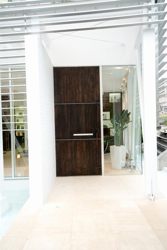 自然素材の家 港北モデルの部屋 エントランス