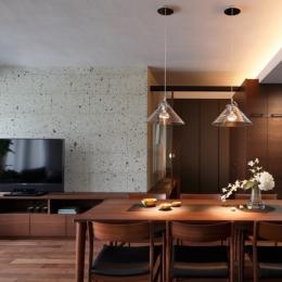 リフォーム・リノベーション会社 株式会社クラフトの事例「石と木がつくる趣の家」