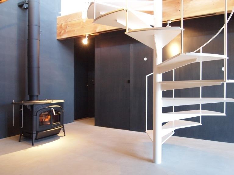 群馬県榛東村・芝屋根住宅-3|W HOUSEの部屋 多目的な土間スペース