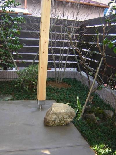 庭 (Days-Cafe 小さな庭を眺めるCafe)