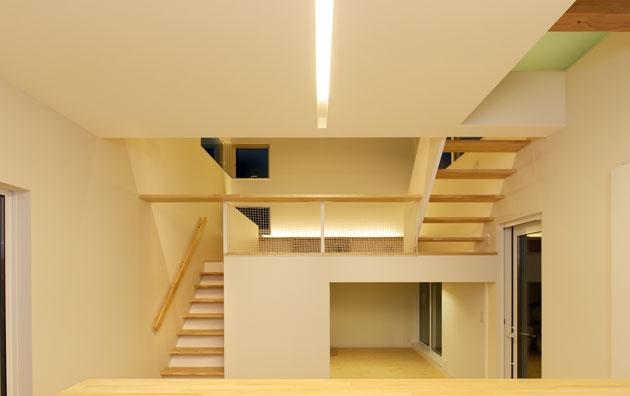 建築家:藤井 将「段差をたのしむ家」