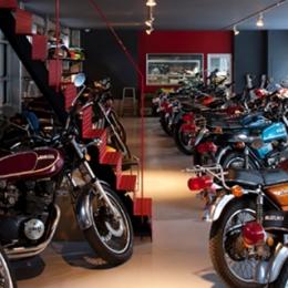 バイクコレクションの家 (バイクコレクションガレージ)