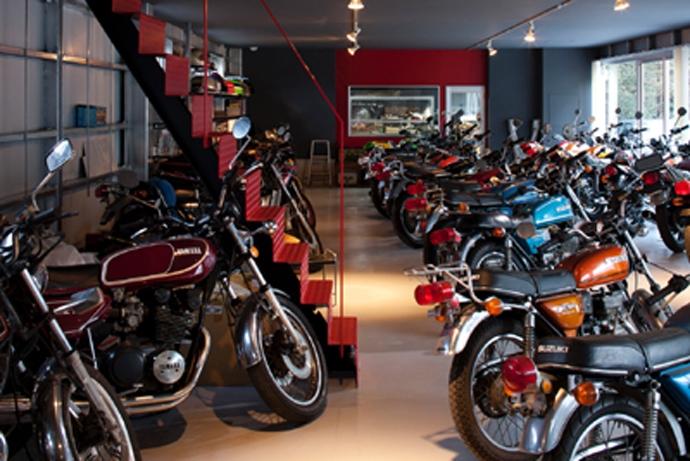 バイクコレクションの家の部屋 バイクコレクションガレージ