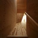 K氏のアトリエの写真 階段